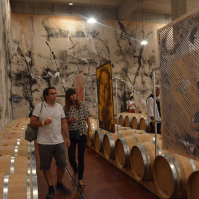 Arte all'interno dei © Celler Mas Blanch i Jové