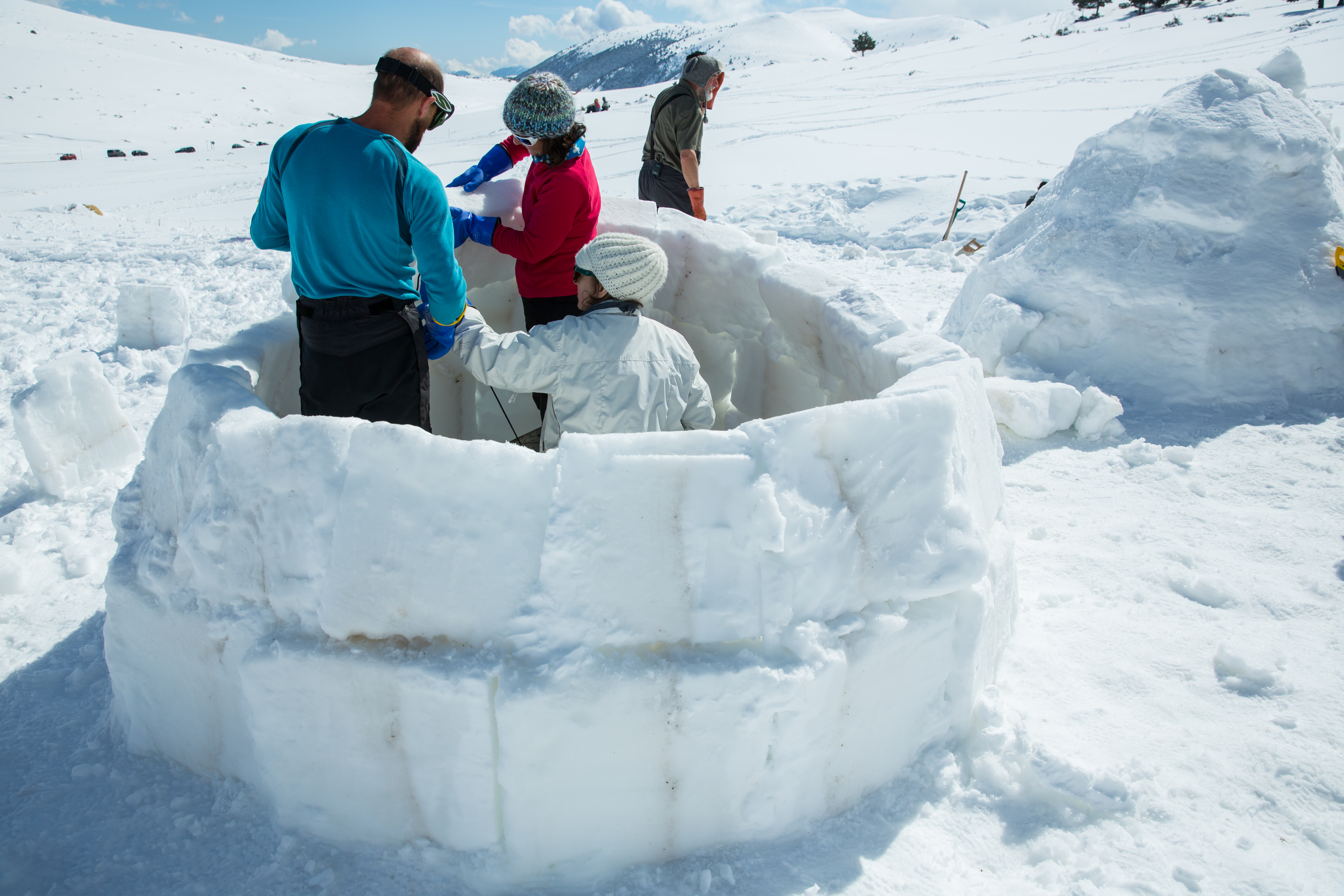 A nearly finished igloo in the Pla d'Anyella in La Molina.